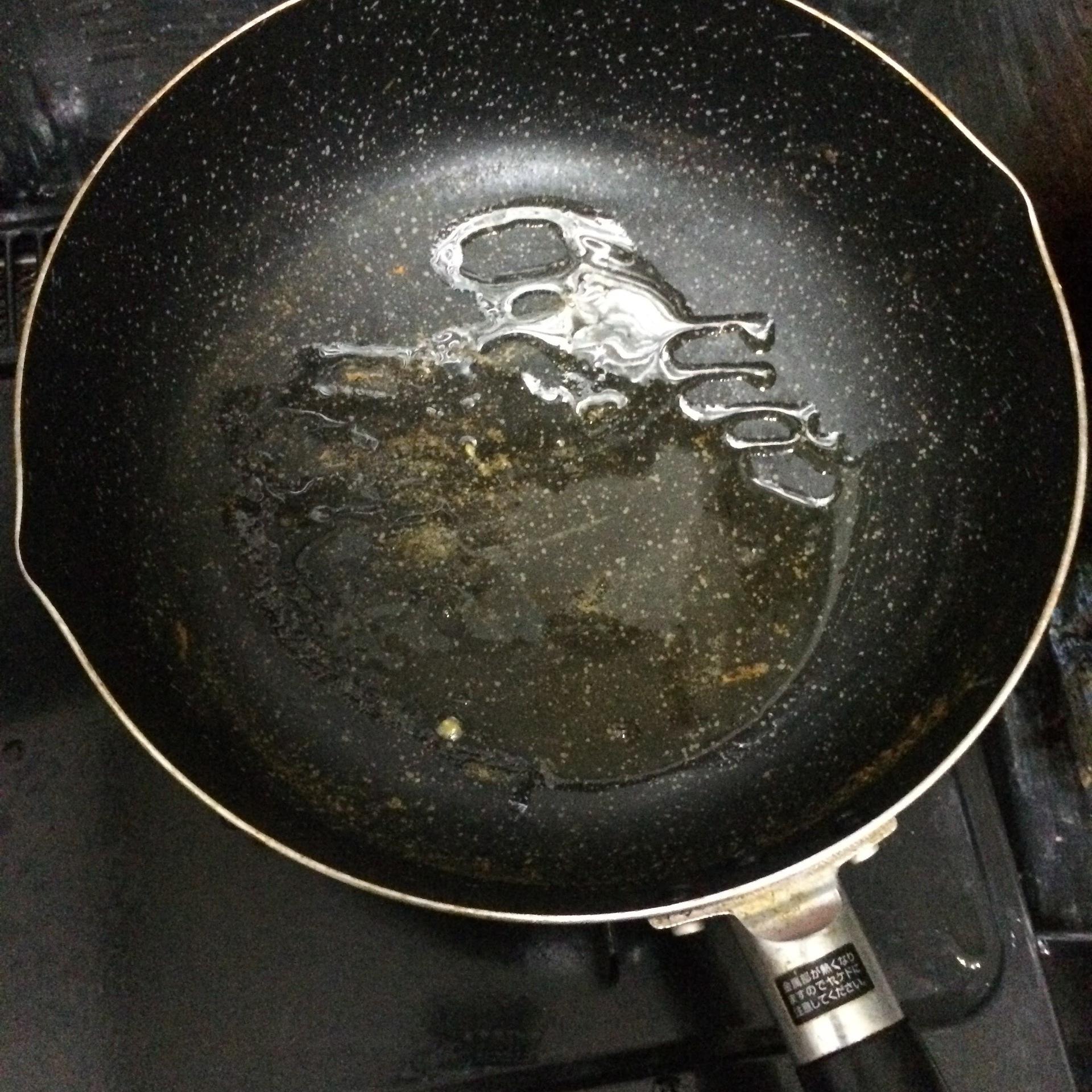 焼き飯パラパラ 油 2.JPG